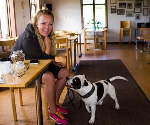 I våras fick Angelica utmärkelsen Grötfatet, efter att hon dragit igång ungdomsverksamheten på Sundsvalls brukshundsklubb.
