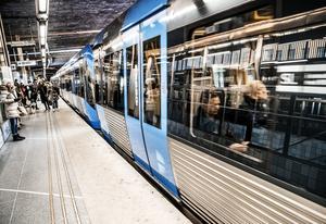 Tjuvåkandet i kollektivtrafiken kostar SL flera miljoner varje år i uteblivna intäkter. Foto: Tomas Oneborg/TT