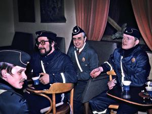 Många av ordningsvakterna var lokala bybor som Grundströms anställde. Foto: Familjen Grundström
