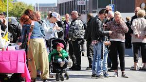 Under Poker run går, cyklar och kör deltagarna en rutt i Västerås och samlar samtidigt in spelkort. Intäkterna går till välgörenhet.Bild: Eva Lind/Poker Run