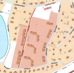 På västra sidan av Videvägen (rödmarkerat) och östra sidan av Björkvägen på Notgården införs parkeringsförbud, meddelar kommunen. Skiss: Ludvika kommun