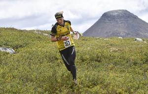 I terrängen runt Idre Fjäll trivs Tove, som återvänder efter VM för att springa ny Idre fjällmaraton.