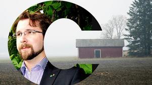 Centerpartiets Hans Forsberg berättar att hans parti i Sundsvall går till val på ett eget valmanifest, en egen valkampanj och ett eget budskap. Foto: TT/Arkivbild