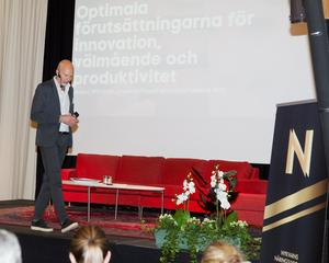 Anders Wikström föreläser om innovation och vikten av att lyfta blicken över effektivitet och lönsamhet.