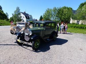 Olle Lagerbergs A-Ford 1930, Bjursås och Olle Gruvris Bentley 1935,  Rättvik