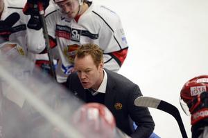Niklas Eriksson fick sparken som Almtunatränare i december, då fick Martin Gudmundsson frågan om att kliva in tillsammans med Marcus Ragnarsson för att få fart på lagen.