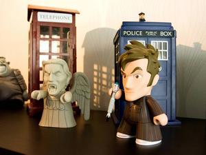 Doktorn och monsterängeln figurerar i favoritserien Doctor Who, brittisk science fiction. En kontrast till konserbloggandet.