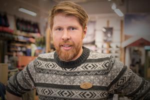 Victor Solli berättar att Naturkompaniet satsar på att vårda det man har istället för köphets.