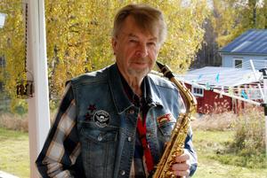År 1963 kom saxofonen in i Yngves liv och har därefter varit hans huvudinstrument.