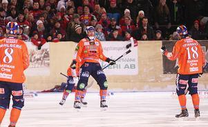 Målskyttet har redan lossnat. Patrik Nilssons andra mål för säsongen var en kanon i krysset i hemmaderbyt mot Edsbyn.