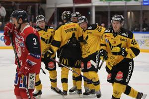 Isac Skedung gjorde VIK:s matchavgörande mål mot Västervik i powerplay efter fin framspelning av Johan Skinnars.