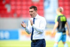 Grimsbys manager Micheal Jolley tränade Grimsby Town förra säsongen. Nu ska han enligt uppgifter vara på spelarjakt i Sverige men Sebastian Ring på önskelistan.