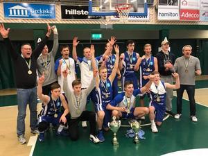 Det segrande laget från ÖB i Scania Cup.