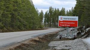 E 45 stängs mellan 7 maj och 10 juni. Omvägen för de som vill åka från Byvallen till Sveg blir 148 kilometer efter omledning av trafiken.