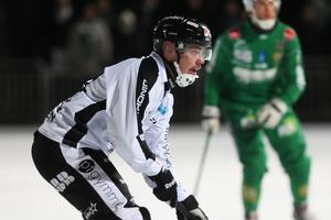 Dennis Henriksen – spelade fram till Hannes Edlunds 3–2-mål.