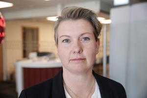 """Vi har kostat på och vi blir kvar i Ludvika framhöll Ulrika Lodén, en av """"Dalarnas"""" 16 anställda som huserar i nya lokalerna. Hyreskontraktet är skrivet på sju år."""