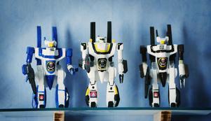 De här figurerna var de första som Ola Englund gjorde för några år sedan. I dag har han drygt 100 i olika storlekar.