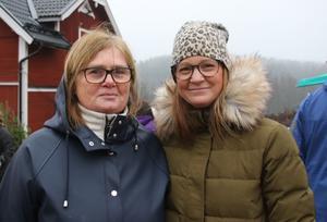 Johanna Pernhall Breder och Carina Pernhall med sommarstuga i närheten av Åvestbo gillar att marknaden har en gammaldags inramning.