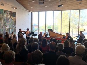 Falu kammarmusikdagar avslutades med 3x Bach på Dalarnas Museum. Publiken fick höra stycken av Johann Sebastian Bach samt sönerna Carl Philipp Emanuel och Johann Christiann. Foto: Linda Hellstrand