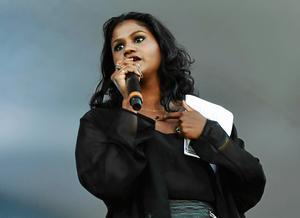 Shanthi Rydwall Menon var först ut när vårsäsongen startade  för Skratta med käften på E street.    Foto: Vilhelm Stokstad / TT