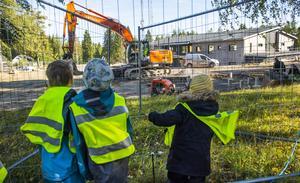 Ett tänkbart motiv för nedläggningen av förskolan Vega är att barn- och skolnämnden vill säkra tillgången på förskolebarn inför etableringen av den kommande, privata förskolan på Björnö, skriver Yvonne Svensson, Johan Österberg och Robert Johansson. Arkivbild.