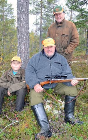 Östfjällslagets yngste deltagare Rasmus Andersson, 10, tillsammans med