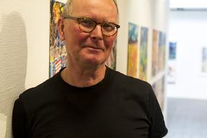 Jöran Österman, själv konstnär men i detta sammanhang curator.