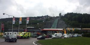 En motorcykel och en personbil ska vara inblandad i olyckan.