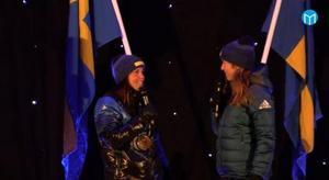 Charlotte Kalla och Magdalena Forsberg på Stora torget i Sundsvall.