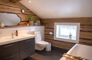 Badrummet på övervåningen är Kristines favoritrum näst efter köket.