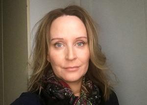 Jennifer Wellin, är psykolog och vårdutvecklare på familjehälsan. Enligt henne är det många som söker hjälp hos psykiatrin trots att de kanske inte behöver.