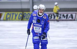 Johan Koch tvingades lämna isen skadad.