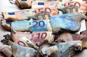 Brända Eurosedlar, är det så Europa som kontinent kommer att uppfattas 2050 eller kan vi övervinna svårigheterna och den globala konkurrensen?