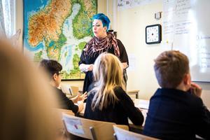 Sara Starck gick ihop med ett gäng lärarkolleger och började arbeta på Skebo skola som för drygt två år sedan stod helt utan lärare.
