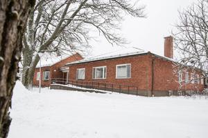 2009 togs beslutet om att göra om det gamla äldreboendet Hedegården till ett HVB-hem för flyktingungdomar. Som mest har hemmet tagit emot 130 ungdomar under en och samma period.