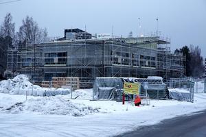 Nya skolan väntas stå klar för inflyttning i början av 2019. Nu har det bestämts att den ska heta Solviksskolan.