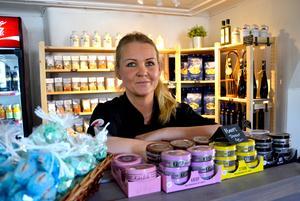 Det är inte bara lunchlådor Maria Lolind säljer utan verksamheten består av catering och butiksförsäljning.