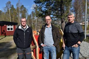 Missnöjet pyr i Grundsunda med omnejd.Bara ungefär en tredjedel av den utlovade fiberdragningen har utförts, vilket bekymrar Leif Pettersson, Ulf Rask och Magnus Sjöström.