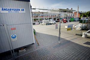 Ett Gävleföretag med elva anställda drabbas av konkursen i Bollnäsföretaget som bland annat renoverar stadshuset i Sandviken.