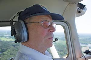 Sune Pettersson har varit flygentusiast sedan början av 1970-talet. Brandflyg har han flugit i över 40 år.