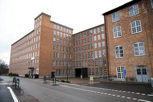 Framför den gamla Tidsstrandsfabriken i Sågmyra ligger Ylletorget. Där är det meningen att Dalavalet 2018 ska genomföras.