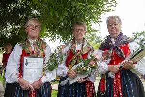 Årets Dellenbygdskvinnor, Karin Gunvor och Märta Persson som bakat tunnbröd i trakterna under många år.