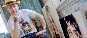 Peter Eugén har nått ut över världen med sin - i dubbel bemärkelse – popkonst. Han porträtterar med förkärlek populärmusikens ikoner. Bild: Pressbild