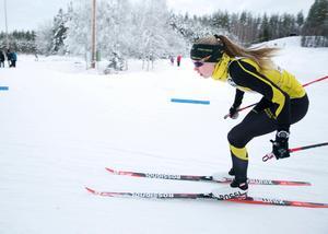Stora Tunas Tilda Östberg, som även är en lovande orienterare, har inlett JSM i skidor med ett silver och ett brons.