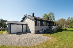 Det här huset i Hörnett i Örnsköldsvik såldes för 1,75 miljoner kronor. Foto: Länsförsäkringar fastighetsförmedling