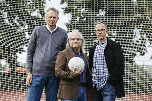 Thomas Lerner tillsammans med forskarna Predrag Petrovic och Torbjörn Vestberg som ligger bakom boken