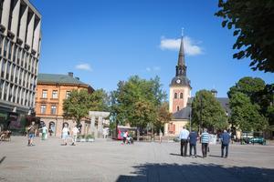 Gågatan som idag tar slut vid Stora torget ska fortsätta rakt fram förbi S:ta Ragnhilds kyrka för att binda ihop den nuvarande Södra stadskärnan med den planerade nya Norra stadskärnan.