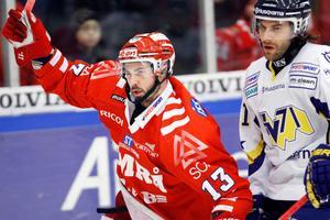 Daniel Corso firar ett av tre mål mot då serieledande HV71 under säsongen 2009–10. En säsong som slutade med poänligaseger i Timrå för kanadensaren.