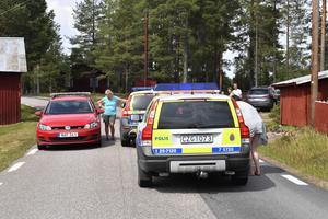 Boende i Kryptjärn informeras om läget av polis.