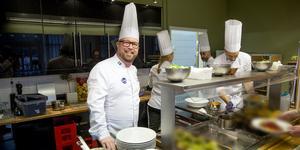 Eddy Brihed från Mölnbo är redo att tävla. Innan startskottet går för IKA/Culinary olympics den 18 februari har han lagat allt på tävlingsmenyn minst 40 gånger. En meny som fortfarande är mycket hemlig.